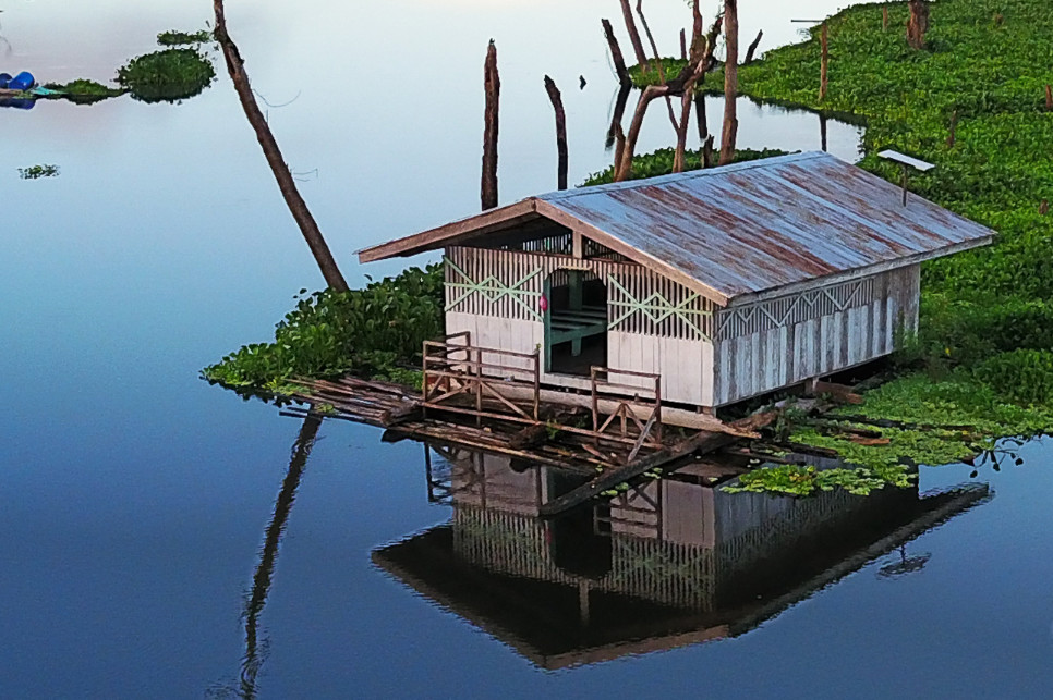 Maison traditionnelle manobo sur Agusan Marsh